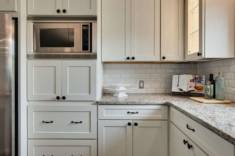 Should I Use Knobs Or Pulls On Kitchen Cabinets Kitchen